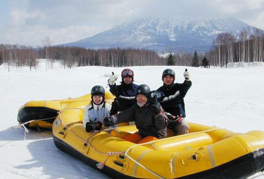 snow-rafting-hokkaido